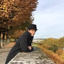 Thomas, poète en quête de musiciens